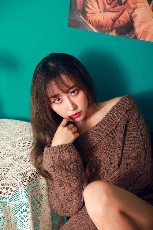 艺人专访AGgirl组合队长崔沥兮:为梦想我有全力以赴的勇气。